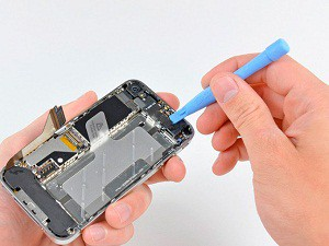 1394607718_ifixit_iPhone4_teardown_rm_eng
