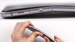 Выпрямление корпуса iPhone 7 Plus