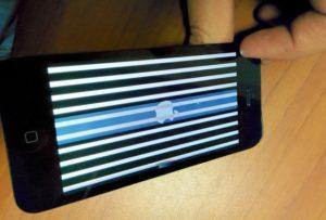 Полосы на дисплее iPhone 7 Plus