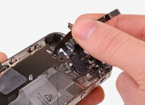 Замена аудио микросхемы iPhone 8 Plus