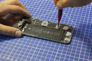 Замена микросхемы тачскрина iPhone 8