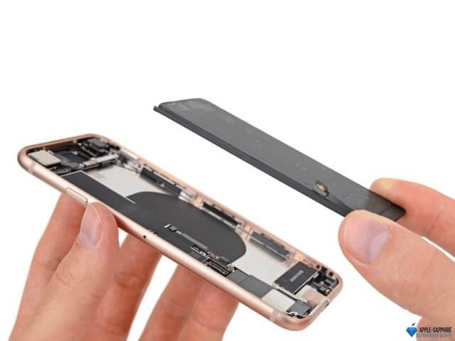 Не работает подсветка Айфон 8