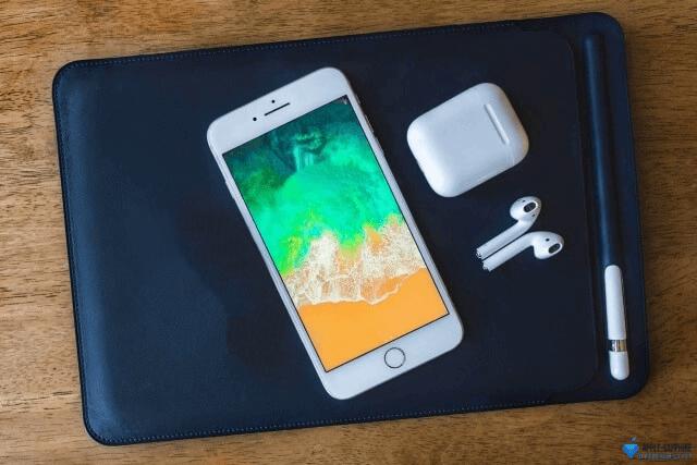 Полосы на дисплее iPhone 8