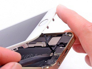 Не работает часть экрана iPhone (Айфон)