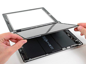 замена сенсорного стекла iPad 2 6
